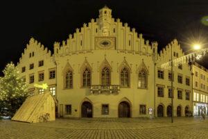 Read more about the article Landshut – Rathaus an Weihnachten